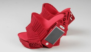 3D-Printed-Shoes-Feature-iPhone-Holster-1